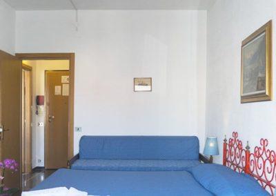 bilocale-moresco-vista-monte-camera-letto