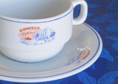 bilocale-moresco-vista-monte-dettagli-colazione